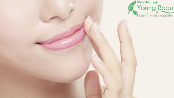 thu mỏng môi dày